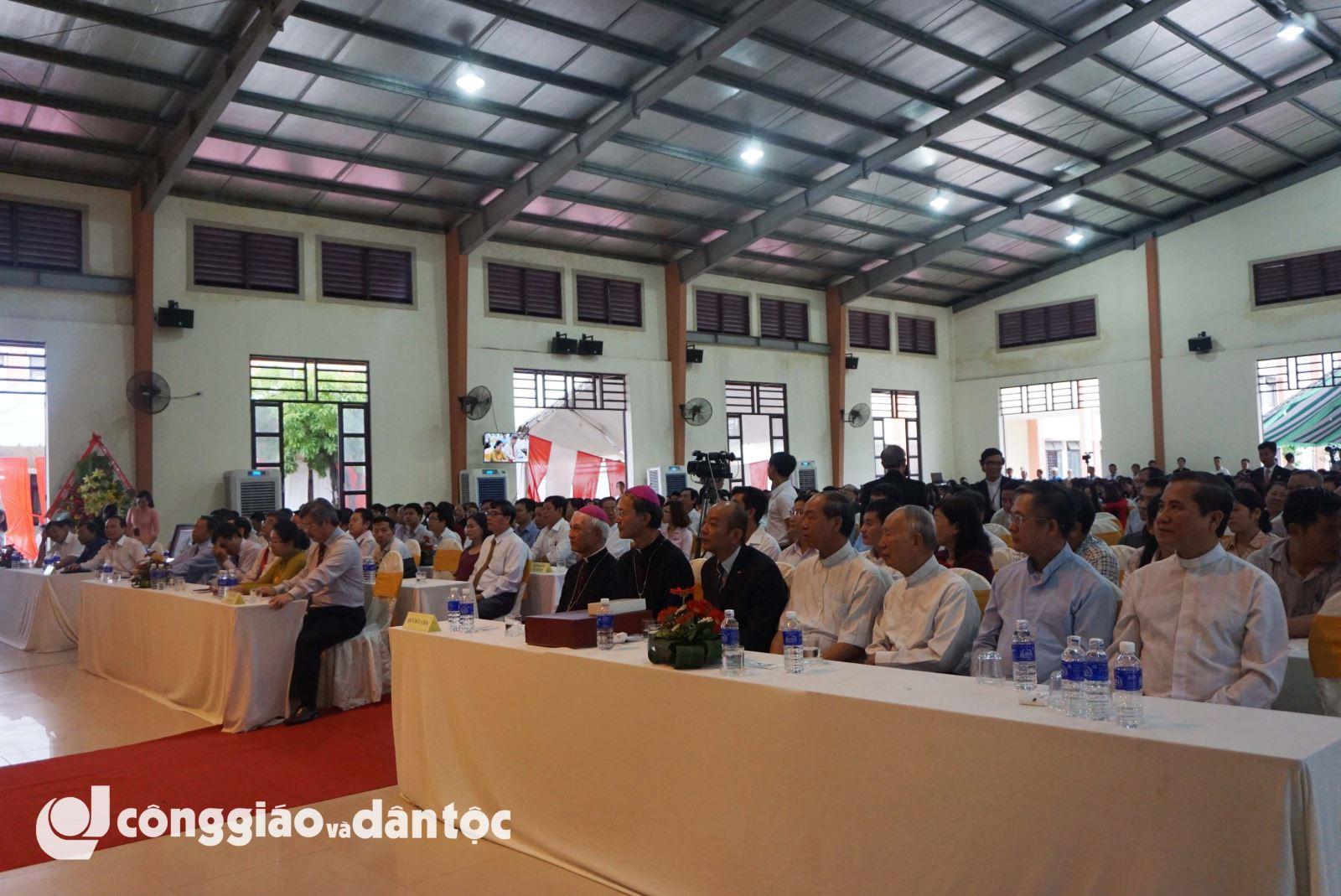 Trường Cao đẳng Hòa Bình Xuân Lộc