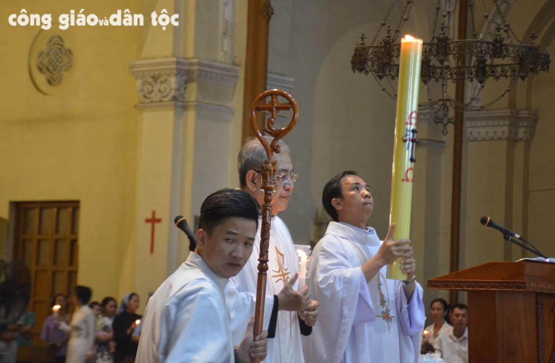 Vong Phuc sinh 2017