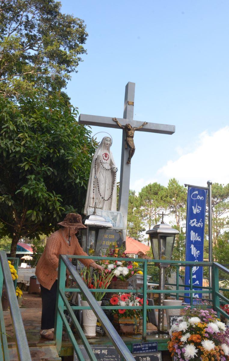 10 năm phục vụ dưới chân Đức Mẹ Măng Ðen - Ảnh minh hoạ 3