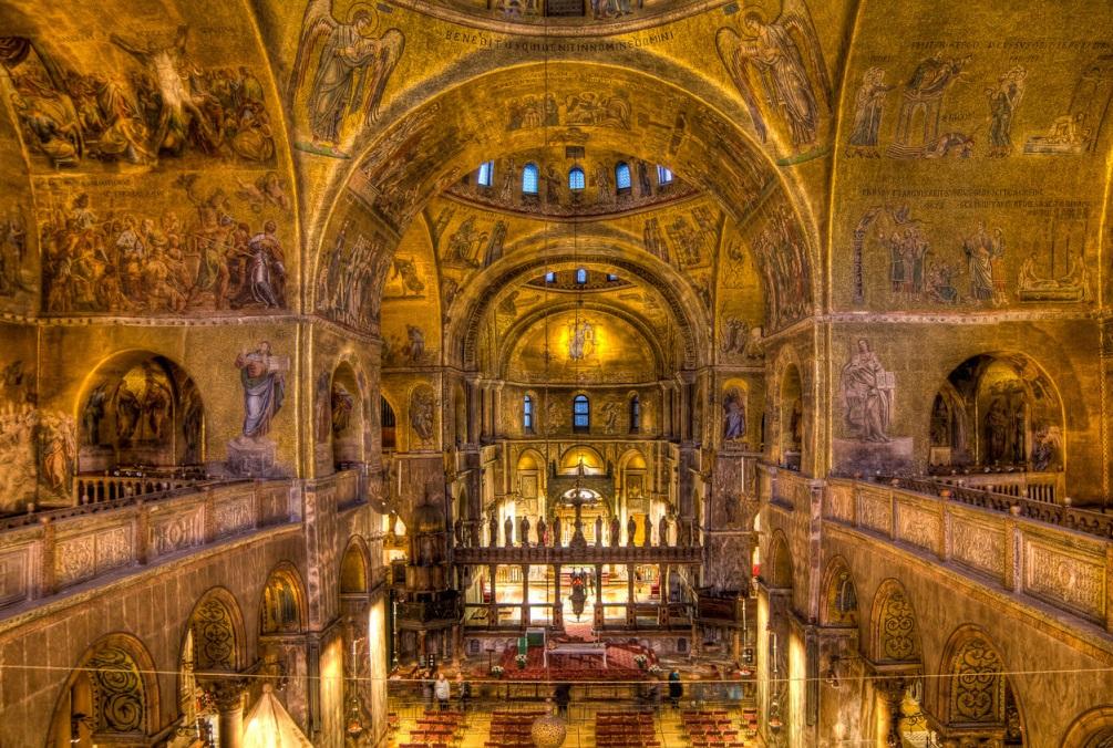 xây dựng Nhà Thờ Công Giáo