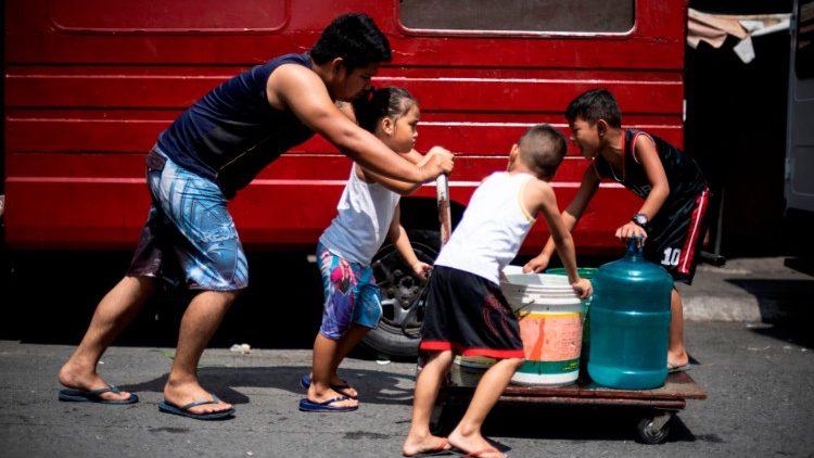 Giáo hội Philippines cầu nguyện cho thủ đô hết khủng hoảng nước