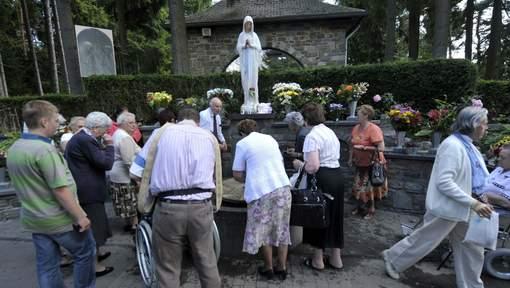 thánh lễ tại Baneux