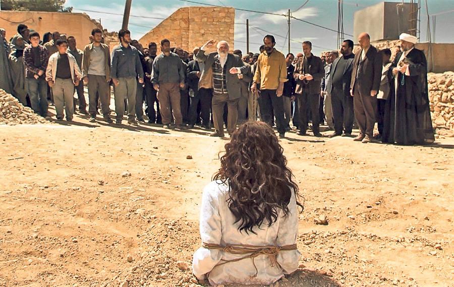 Kết quả hình ảnh cho người phụ nữ bị ném đá trong kinh thánh