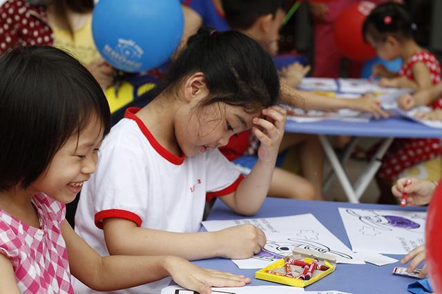 """Giáo viên """"toát mồ hôi"""" vì trẻ không biết chữ trước khi vào lớp 1 ..."""